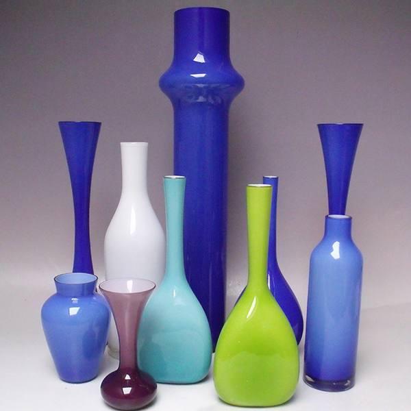 Class glass – highly collectable Scandinavian and European glass vases to sell this Thursday…
